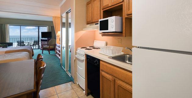 Oceanfront Efficiency Room at Quality Inn Boardwalk - Maryland