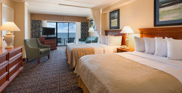 Premium Oceanfront Efficiency Room at Quality Inn Boardwalk - Maryland