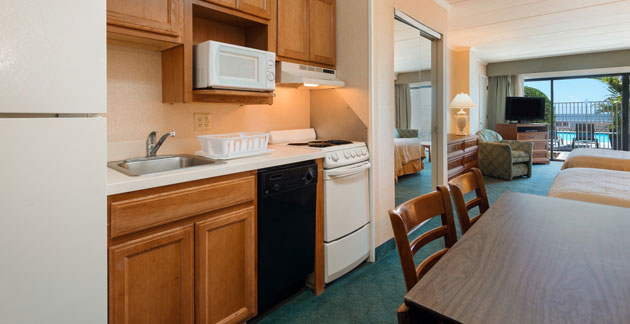 Quality Inn Boardwalk Premium Oceanfront Efficiency Room - Ocean City